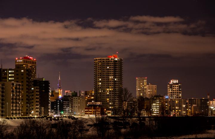 幌平橋から札幌市中心部を眺める夜景